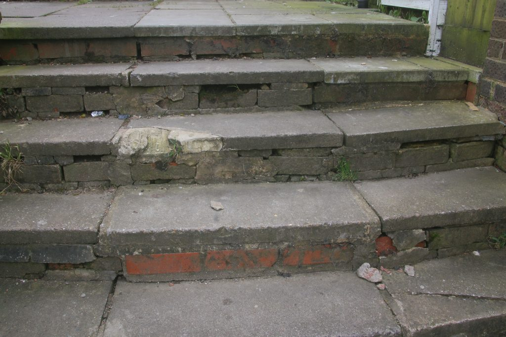 Concrete steps with poor repair